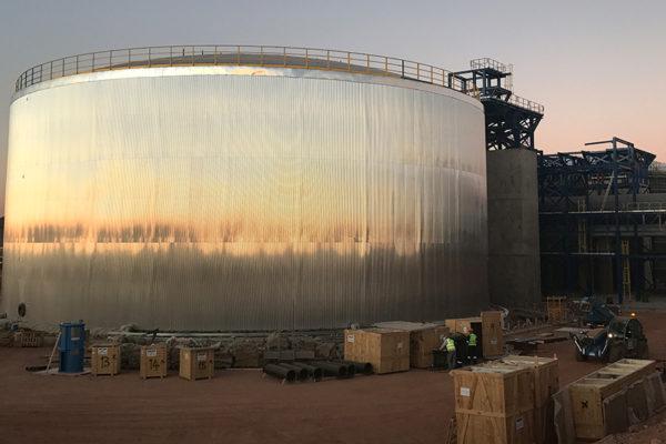 Finalització del disseny, fabricació i muntatge dels tancs de sals i aigua a la Planta termo-solar d'ILANGA (Sudàfrica)